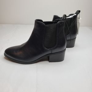 Ellie Chelsea Boots - A New Day